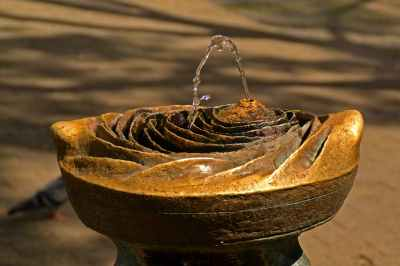 rose water fountain